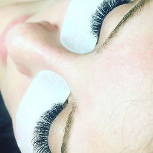 Memorial Day Deal in Miami Partial Lashes